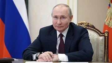 Встреча президента РФ В. Путина с общественностью Республики Крым и Севастополя