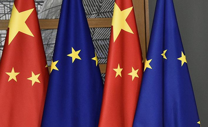 Флаги ЕС и КНР