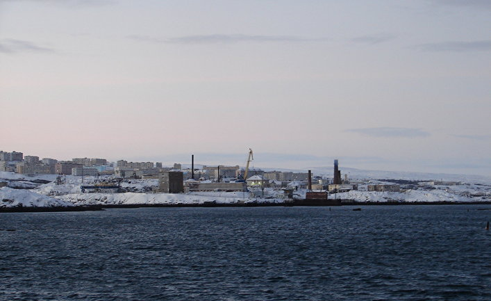 Город Островной с причала Гремихи