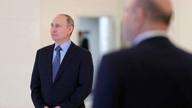DeníkN (Чехия): почему не надо встречаться с Путиным Пока ЕС не уяснит для себя, чего собственно хочет от России (и может получить), нет смысла с ней
