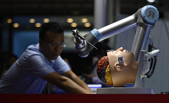 Аппарат-робот для проведения хирургических операций на мозге