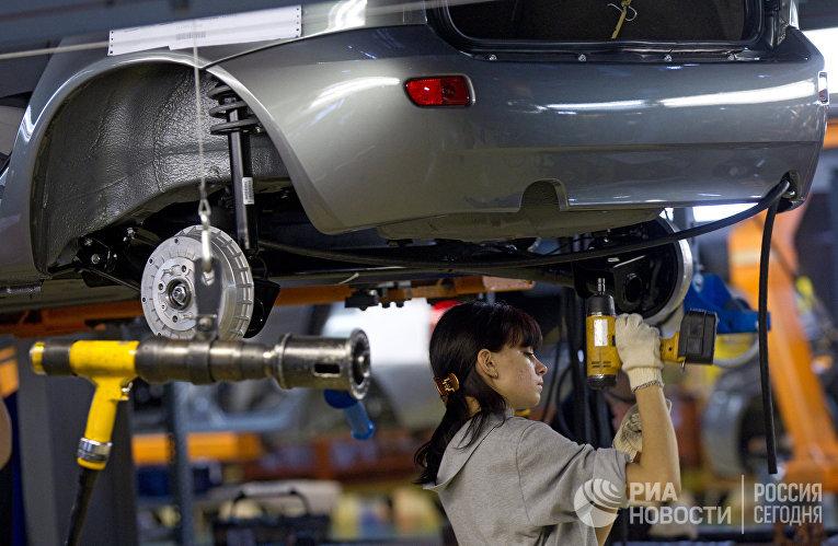 Работы по сборке автомобилей «Лада Калина» на заводе ОАО «АвтоВАЗ» в Тольятти