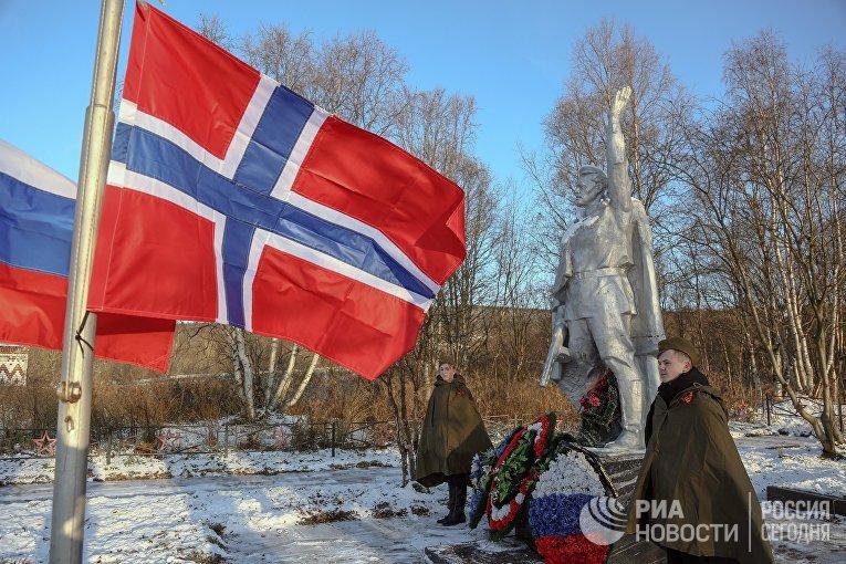 Делегация ветеранов из Норвегии посетила Мурманск
