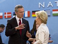 Генсек НАТО Йенс Столтенберг и министр обороны ФРГ Урсула фон дер Ляйен