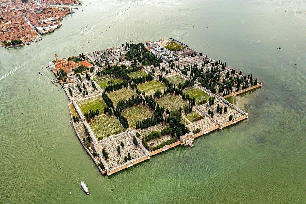 Остров Святого Михаила Архангела в Венеции