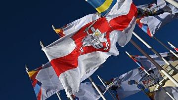 Государственный флаг Белоруссии заменили на оппозиционный на ЧМ по хоккею в Риге