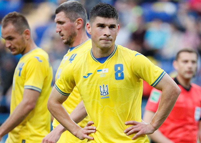 Игроки сборной Украины во время товарищеского матча против сборной Кипра в Харькове