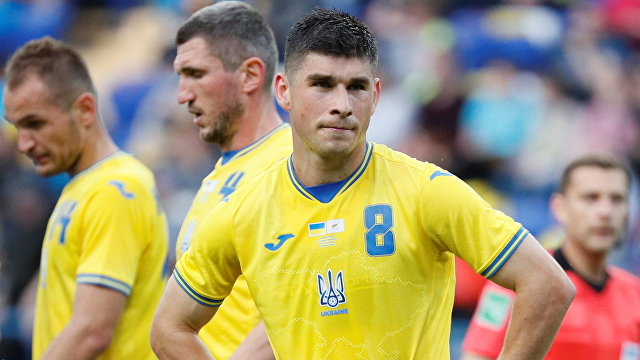 В России возмутились из-за новой формы сборной Украины по футболу: призывают УЕФА ее запретить. Почему (Hromadske, Украина)