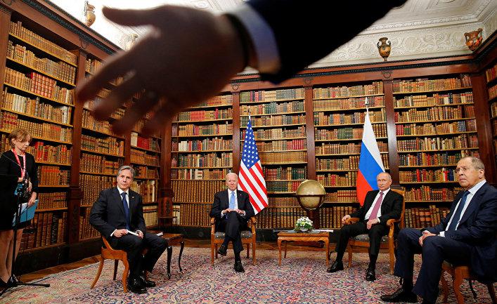 Встреча Байдена и Путина: пресса США подвергается жесткому обращению со стороны российских секьюрити-агентов (Fox News, США)