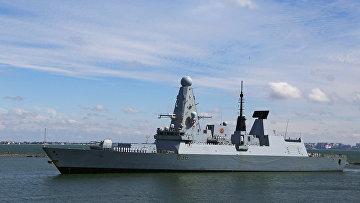 Британский эсминец Defender прибывает в порт Одессы