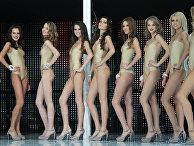 """Финалистки конкурса красоты """"Мисс Украина Вселенная 2011"""" участвуют в конкурсе купальников"""