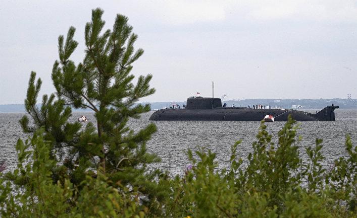 Атомный подводный ракетоносный крейсер «Орёл» после завершения репетиции парада в честь Дня Военно-морского флота в Кронштадте