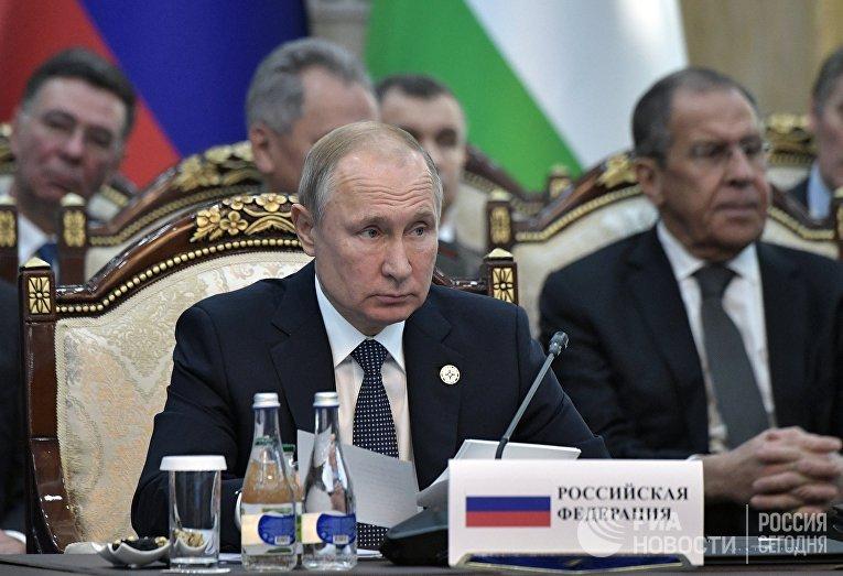 Президент РФ Владимир Путин на заседании Совета коллективной безопасности ОДКБ в Киргизии. 28 ноября 2019
