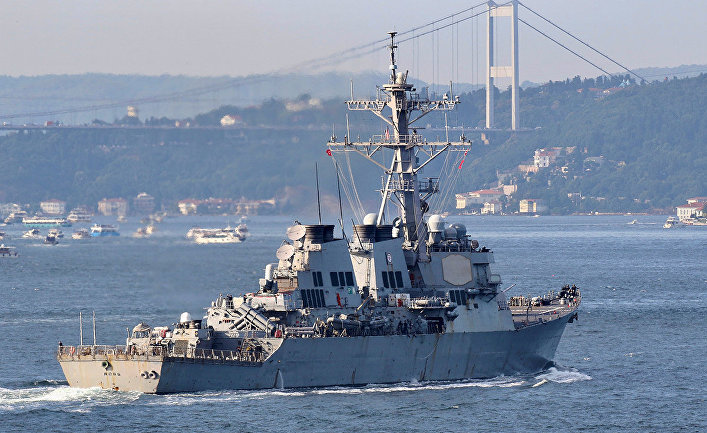 Эсминец ВМС США USS Ross в Стамбуле