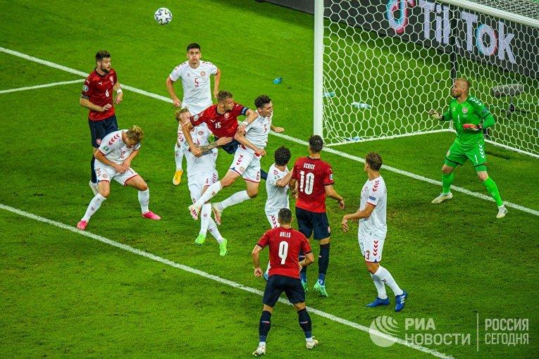 Футбол. ЧЕ-2020. Матч Чехия - Дания
