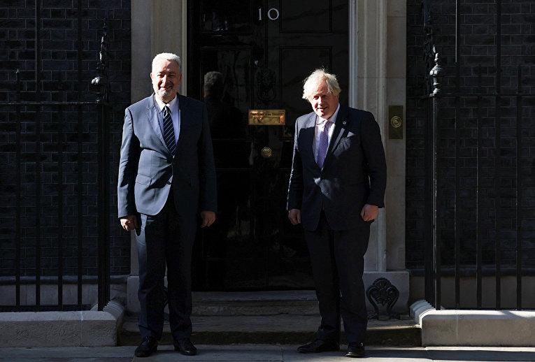 Премьер-министр Великобритании Борис Джонсон и премьер-министр Черногории Здравко Кривокапич