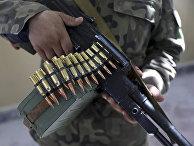 Вооруженный ополченец в Мазари-Шарифе к северу от Кабула, Афганистан