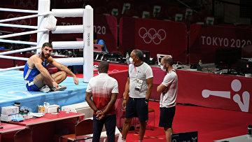 Боксер Мурад Алиев, отказавшийся покидать ринг в знак протеста на решение судей
