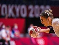 Российская спортсменка, член сборной России (команда ОКР) Дарья Дмитриева в матче группового этапа соревнований по гандболу среди женщин на XXXII летних Олимпийских играх в Токио