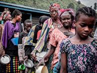 Очередь за продуктами питания в Саке, Демократическая Республика Конго