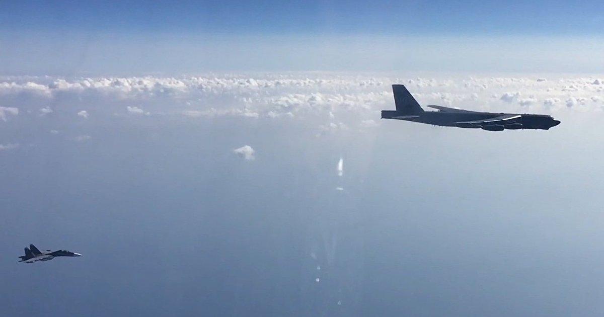 Defense News (США): угроза Китая и России нависает над рутинными операциями ВВС США по всему миру (Defense News)