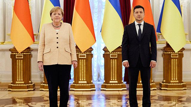 Daily Express (Великобритания): Меркель обрушила на Европу опасное оружие соглашением с Путиным на 9 миллиардов фунтов стерлингов