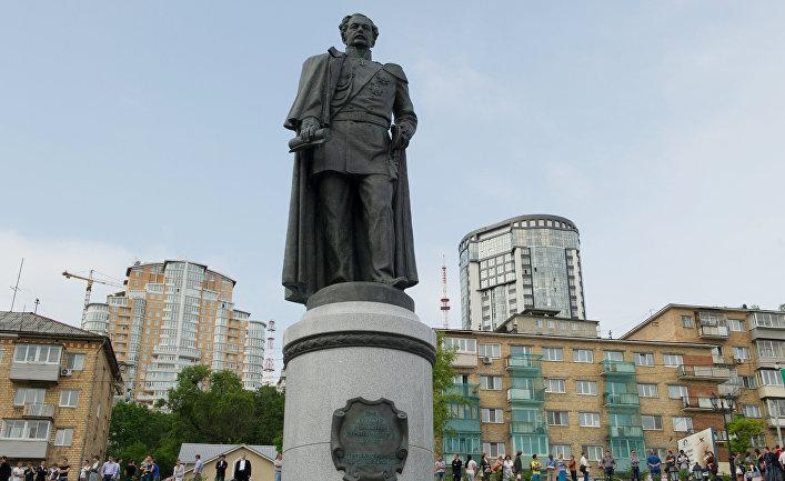 Памятник графу Николаю Муравьеву-Амурскому