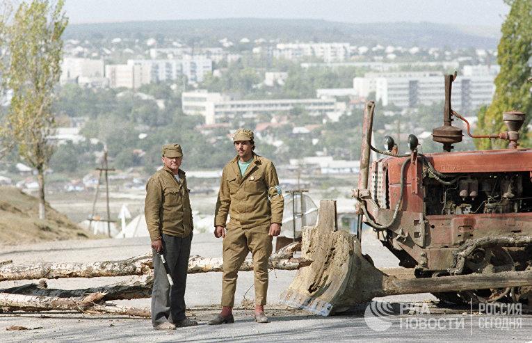 Охрана пункта патрульно-постовой службы при въезде в Гагаузию