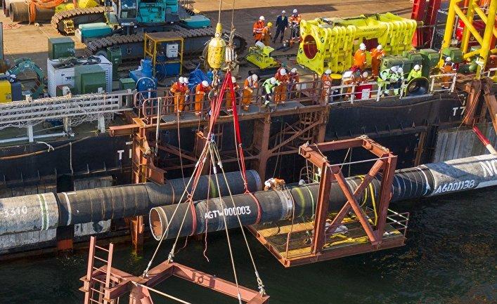 «Северный поток‑2». Соединение труб во время осуществления надводного захлеста
