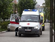 Машина скорой помощи у Пермского государственного университета
